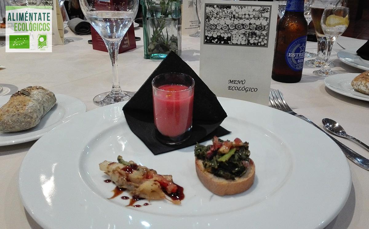 tosta de ajico tierno, pimiento ecológico, tomate frito ecologico, gazpacho de remolacha ecológico